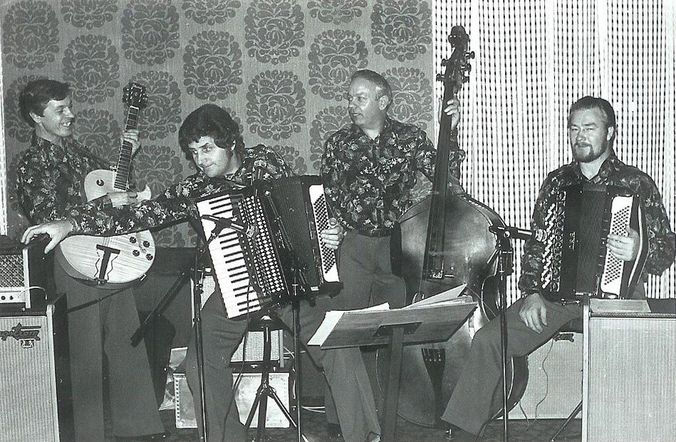 19751025 Fest_15b2 Dansork Petterssons autokorr