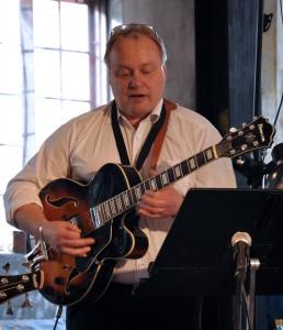 _7  DSC_0065_3 Markku gitarr